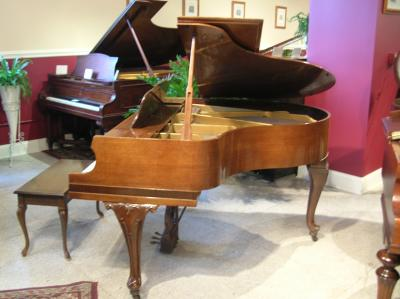 Jessie french apartment size baby grand piano for Size of a baby grand piano