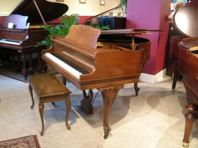 Jessie french apartment size baby grand piano for Size of baby grand piano